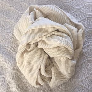 Accessories - Oversized ivory knit scarf